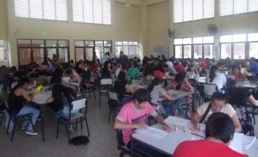 Masiva Asistencia al Examen de Ingreso en Fuerte Esperanza