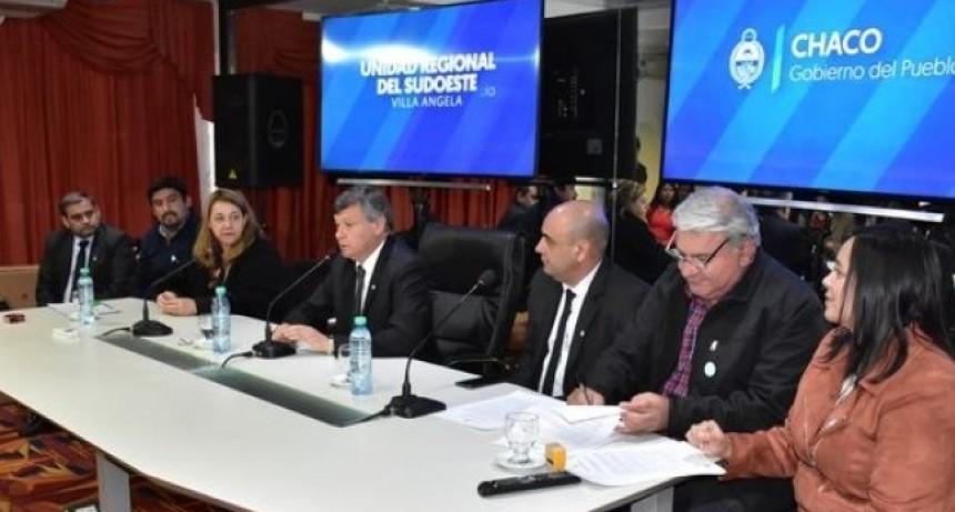 Intendentes firmaron un convenio para el dictado de talleres