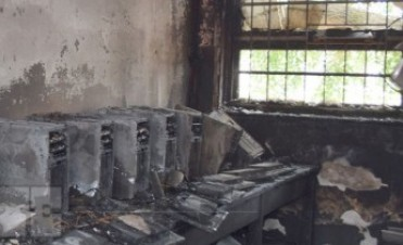 Voraz incendio en la escuela 306 del barrio Lamadrid de Sáenz Peña