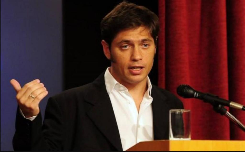 Una campaña en un viejo 'Clio' tambalea la política argentina