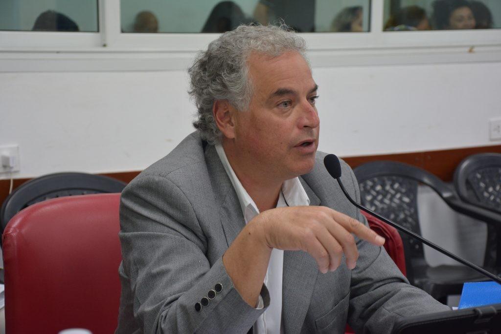 Sueldos de funcionarios: Domínguez molesto por falta de respuestas a pedidos de informes