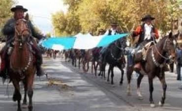 Se realiza la Cabalgata del Día de la Tradición
